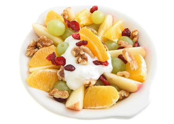 Как сделать фруктовый салат с йогуртом 18