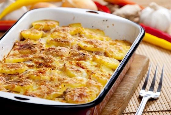 Картошка с яйцами в духовке