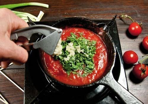 как сделать из томатной пасты соус для шашлыка