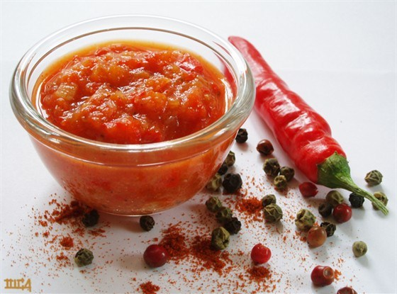 рецепт консервация аджика с томатов острая