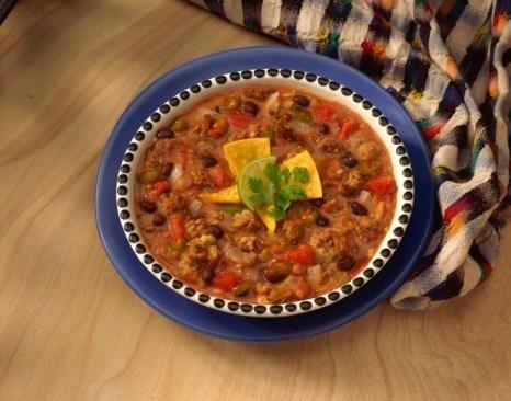 Мексиканский суп с фасолью и фаршем