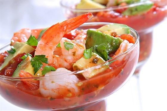 Салат с коктейлем морепродуктами
