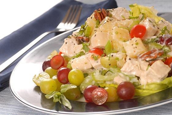 Салат с куриным филе и виноградом рецепт #5