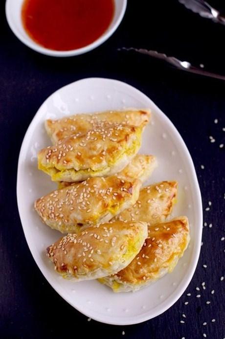 пирожки слоеные с курицей рецепт