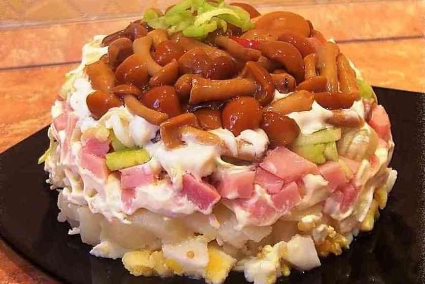 салаты с опятами маринованными рецепты с фото