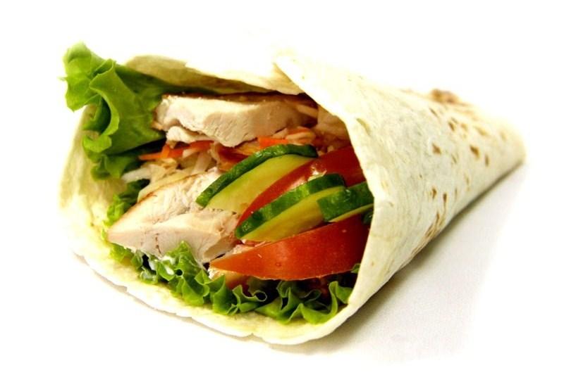 Шаурма с курицей и майонезом рецепт – сэндвичи. «Еда»