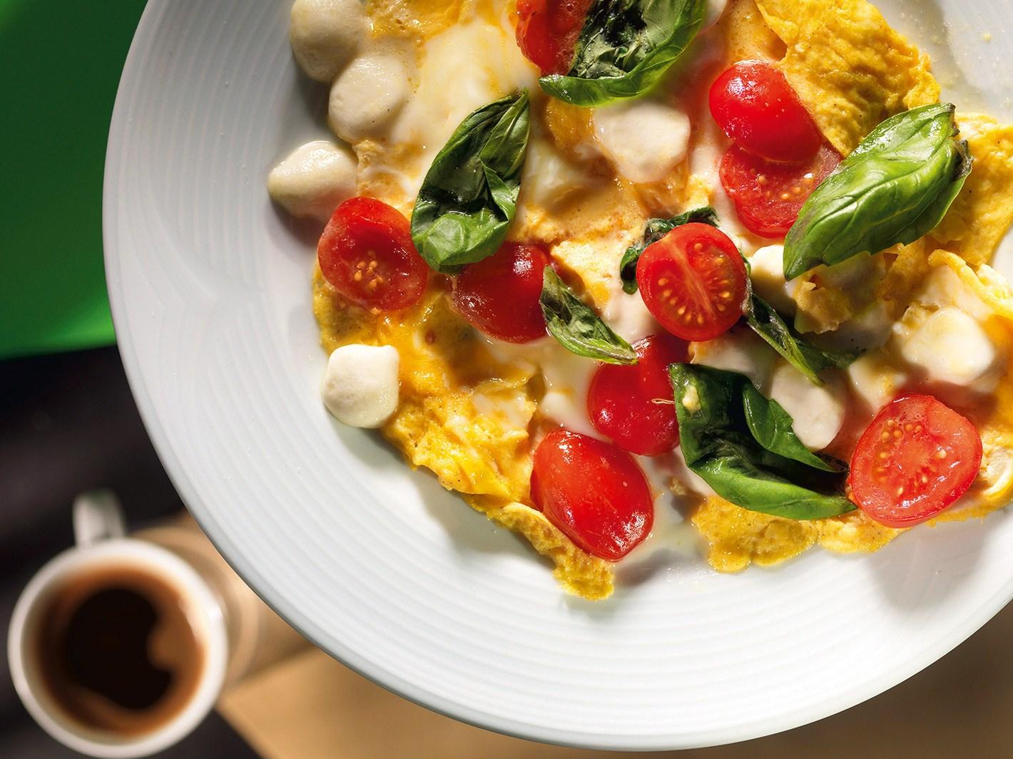 Полезный завтрак: 6 лучших рецептов омлетов с овощами