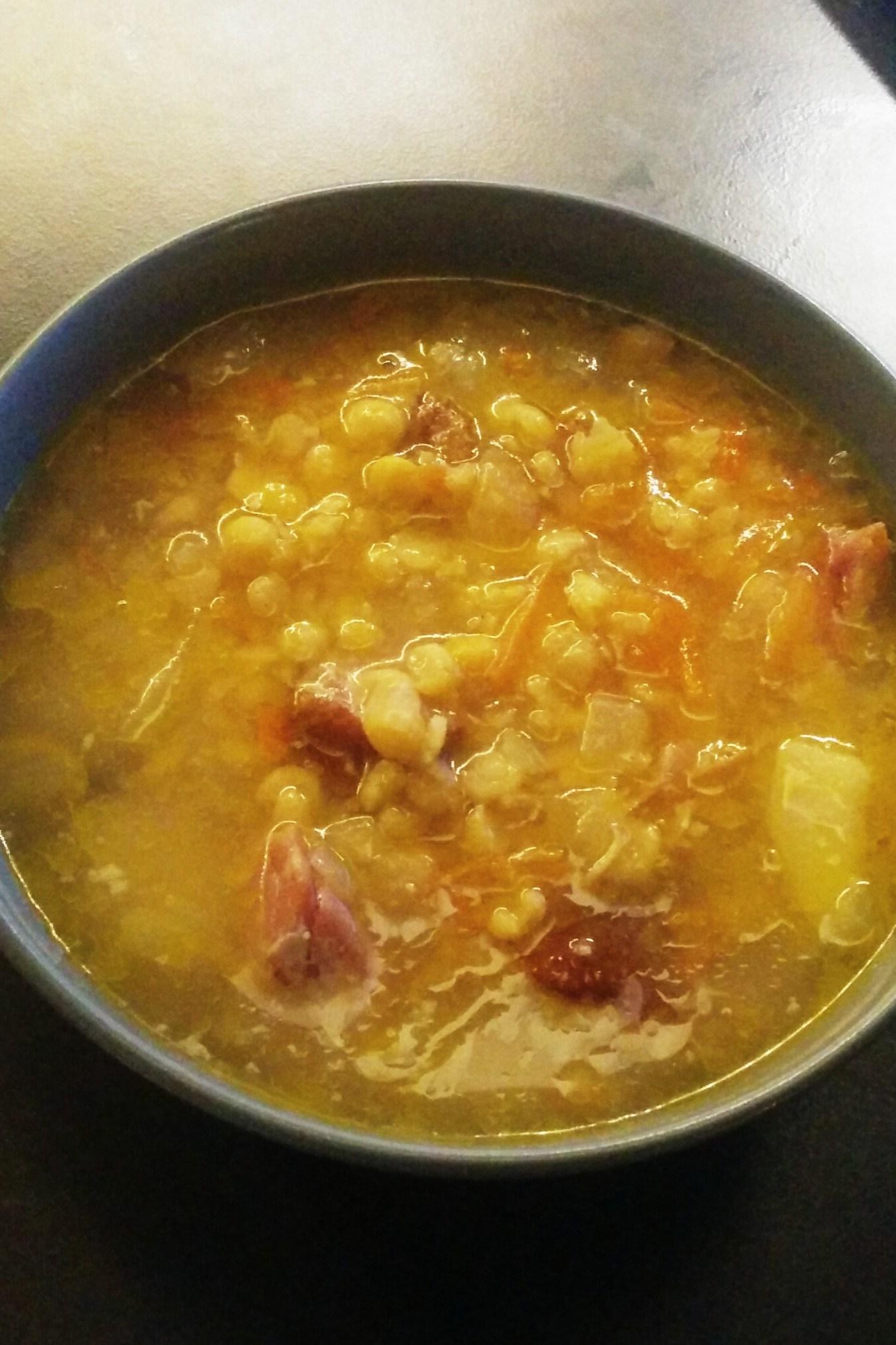 Гороховый суп с копченостями фото пошагово в