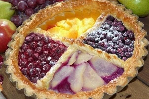 пирог из слоеного теста сладкий рецепт с фото