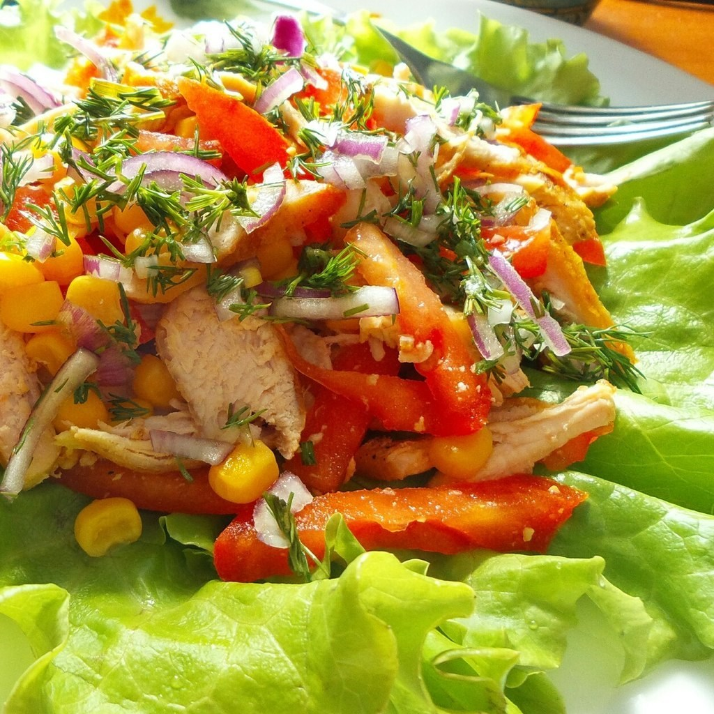 Рецепт салата из овощей с курицей