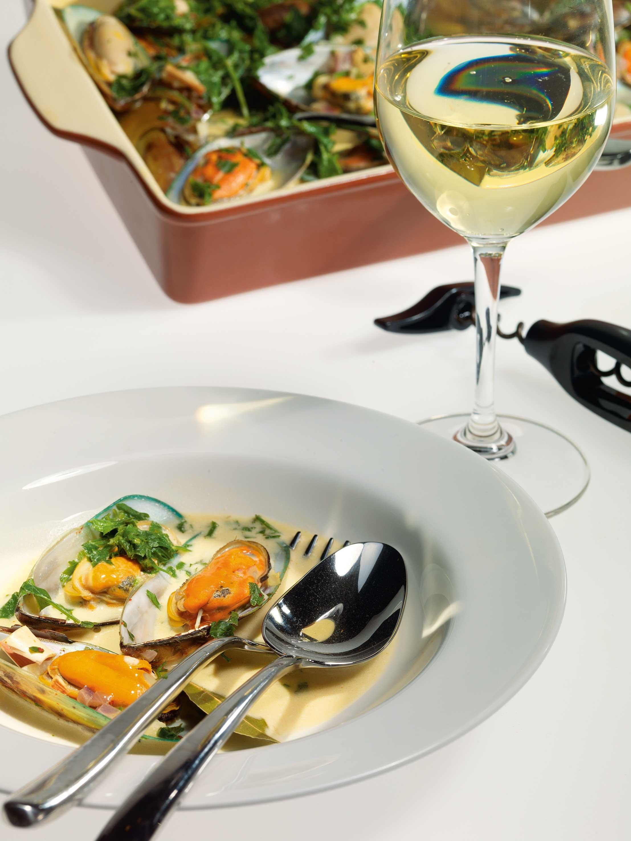 Рецепт мидий со сливками в белом вине